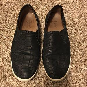 Joie black leather slip ons EUC 7.5